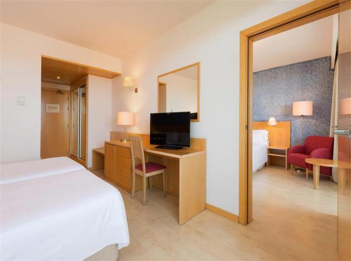 Sol Port Cambrils Hotel - Photo 3