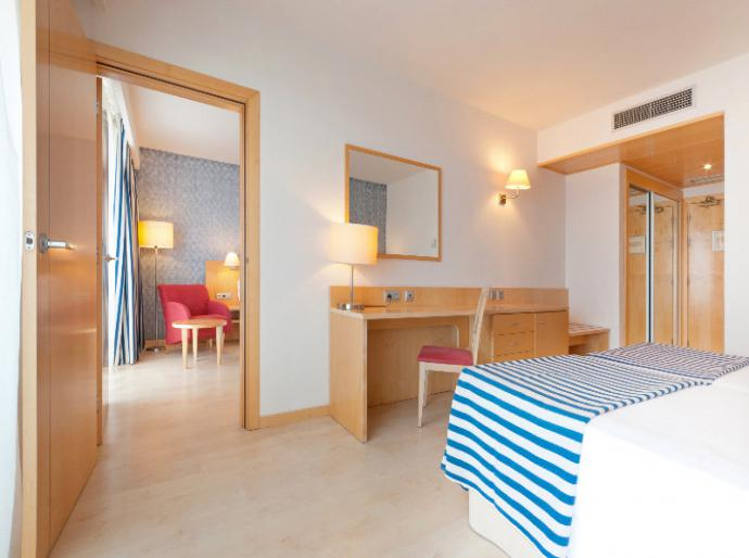 Sol Port Cambrils Hotel - Photo 11