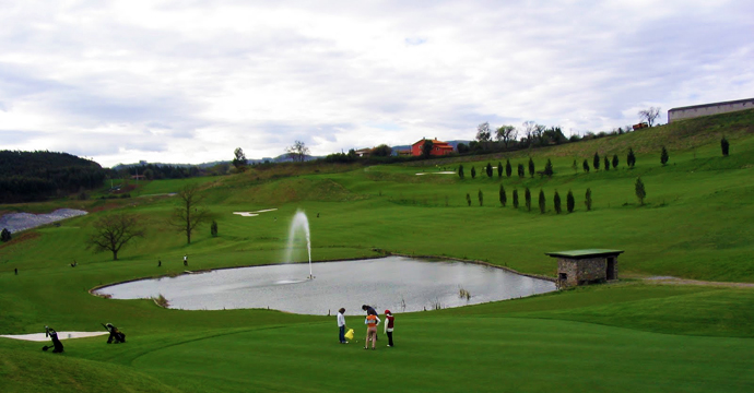 Villaviciosa Golf Course - Photo 2